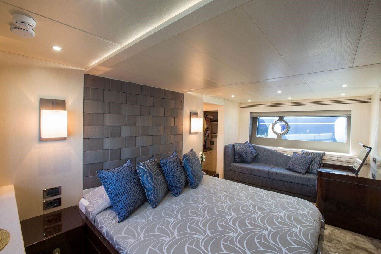 roula-rouva-luxury-travel-services-yacht-accommodation-SunSeeker-75-5